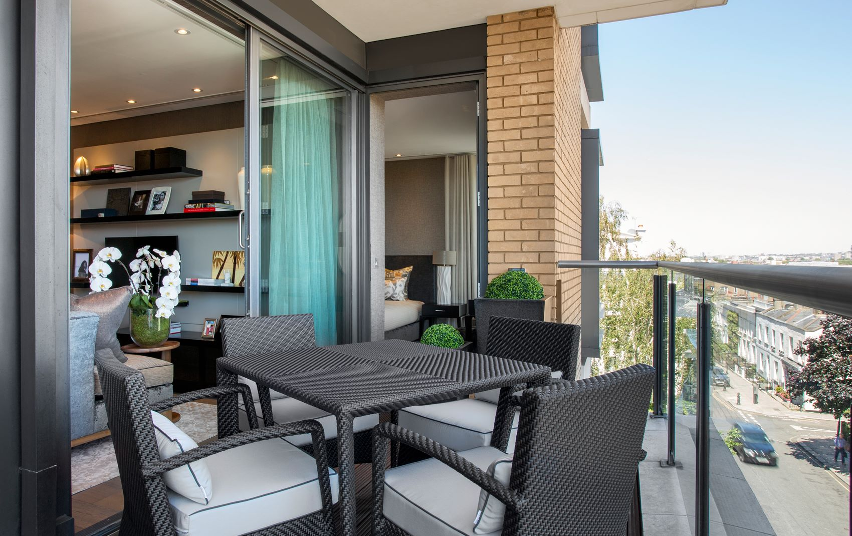 campden hill apartment - outdoor balcony