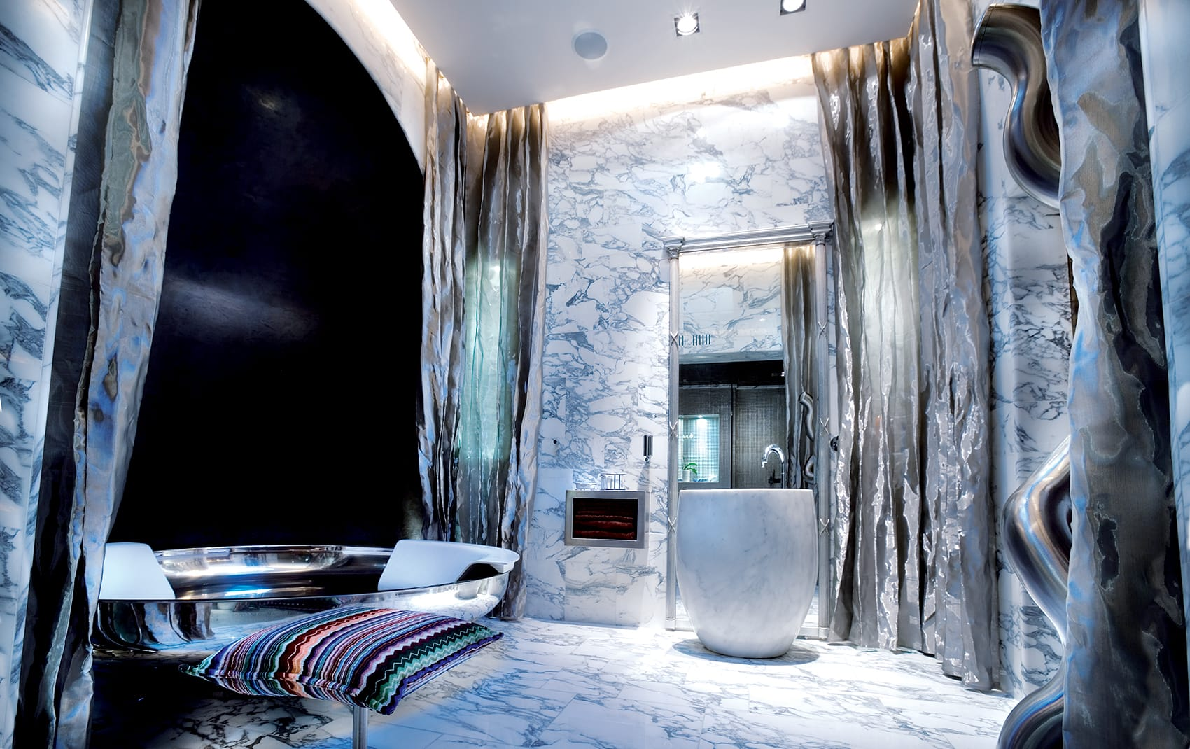 modern luxury bathrooms in London area