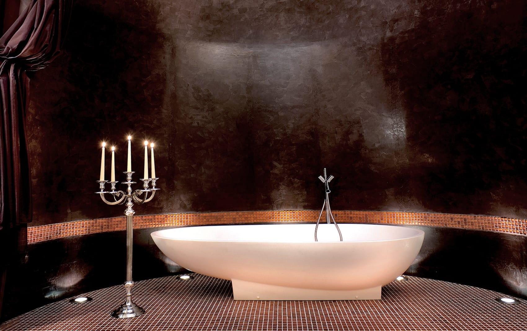 luxury bathroom tub