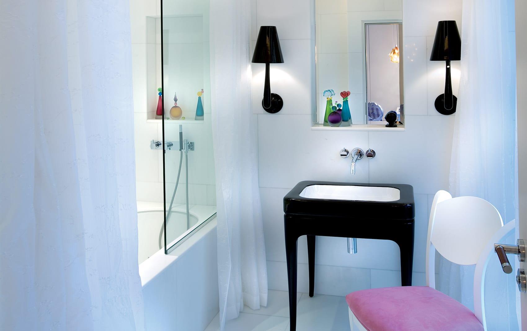 luxury girls bathroom London